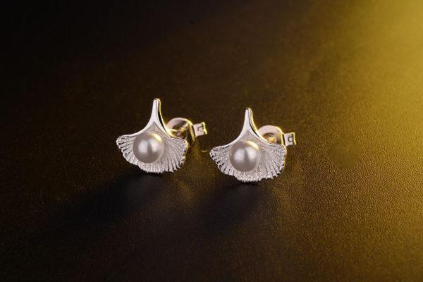 擬珍珠貝殼鍍銀耳環