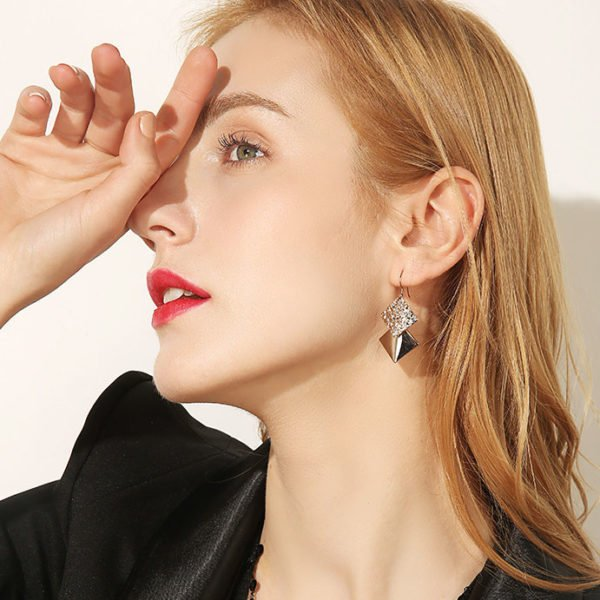 時尚幾何金屬風耳環